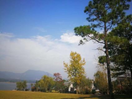 句容市中国边城,仑山湖别墅出售,800平米院子
